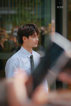Wanna-One - Ong Seongwoo Ong Seung Woo, Kim Jaehwan, Cute Gay Couples, Ha Sungwoon, K Idol, Kpop, 3 In One, Jinyoung, Boyfriend Material