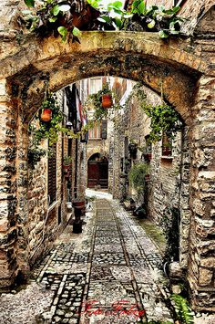 15 Beautiful Places You Should Visit in Italy Beautiful Places To Visit, Wonderful Places, Beautiful Buildings, Beautiful Landscapes, Places To Travel, Places To See, Travel Destinations, Places Around The World, Around The Worlds