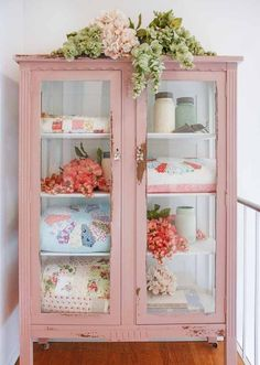 Crazy Ideas Can Change Your Life: Vintage Shabby Chic Home shabby chic wardrobe romantic.Vintage Shabby Chic Home shabby chic porch entrance. Shabby Chic Pink, Shabby Chic Bedrooms, Shabby Chic Homes, Shabby Chic Decor, Rustic Decor, Shabby Vintage, Vintage Pink, Shabby Chic Display Cabinet, Bedroom Vintage