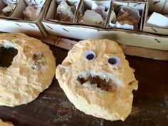 Funny Googly Eyes That Make Things Funnier Pics) - Page 3 of 7 - Wackyy Googly Eyes, Yarn Bombing, Street Artists, Stone Art, Urban Art, Funny Pictures, Arts And Crafts, How Are You Feeling, Crafty