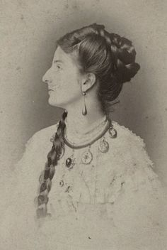 Princess Margherita of Savoy (Margherita Maria Teresa Giovanna ; 20 November 1851 – 4 January was theQueen consort of theKingdom of Italy by marriage toUmberto I. After the wedding, the crown prince couple settled in Naples. Victorian Hairstyles, Vintage Hairstyles, Belle Epoque, Margarita, Historical Hairstyles, Vintage Photos Women, Historical Women, 19th Century Fashion, Very Long Hair