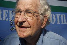 """Chomsky desnuda a """"Guerra ao Terror"""" - http://controversia.com.br/22766"""