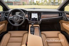 볼보 S90, 앞서 가려는 욕심으로 가득한 세단   뉴스/커뮤니티 : 다나와 자동차