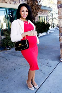 Getting ready for Valentine's dinner with @Isabella Oliver Maternity #mychicbump  #loveisintheair #pregnancystyle