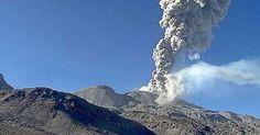 Decretan alerta naranja por erupción de volcán en Perú