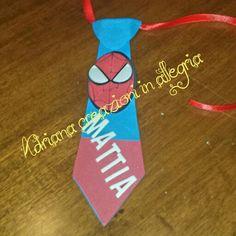 Cravatta gomma crepla per compleanno