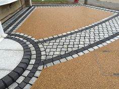 Daltex Resin Bound Aggregate paving is the most widely used in the industry due to its quality and consistency. Resin Bound Gravel, Resin Bound Driveways, Tarmac Driveways, Concrete Driveways, Front Garden Ideas Driveway, Driveway Landscaping, Block Paving Driveway, Cobblestone Walkway, Resin Patio