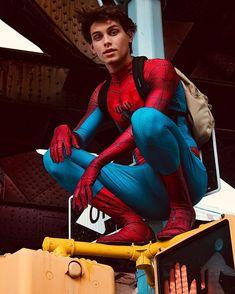 Spiderman Suits, Spiderman Cosplay, Black Costume, Athletic Men, Marvel Comics, Beautiful Men, Tv Series, Hot Guys, Sci Fi