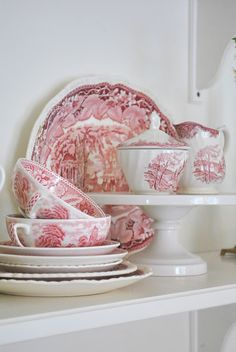 Toile china in red and white Antique China, Vintage China, Vintage Tea, Red And Pink, Red And White, Red Cottage, Terracota, Red Rooms, White Dishes