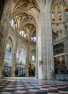 Interior de la Catedral de Segovia   Spain