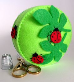Ladybug Pattern Template | If you're in the mood to embroider some bugs, here are some other cute ...
