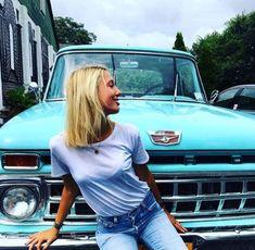These Girls Love Diesel Trucks Every Guy Must See! Ford 4x4, Ford Pickup Trucks, Chevy Trucks, Lifted Trucks, Trucks And Girls, Car Girls, Ford Girl, Old Fords, Diesel Trucks