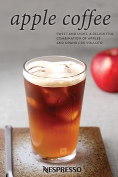 Give your daily Nespresso moment a festive fall twist with the sweet taste of this Apple Coffee recipe. Volluto Grand Cru comes together with crisp apple juice, lemon, and brown sugar to create a refreshing coffee beverage that brings to mind brisk fall mornings and the smell of autumn leaves.