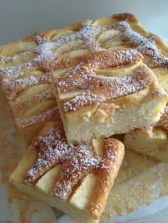 Quick Yogurt Cake with Apples Dessert Cake Recipes, Sweets Cake, Cookie Desserts, Cupcake Cakes, Dessert Bars, Polish Desserts, Polish Recipes, Lady Laura, Delicious Desserts