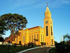 Matriz Santuário Santa Terezinha do Menino Jesus - Bandeirantes (PR)