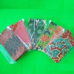 dompet kecil bernotif batik