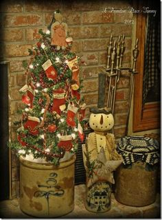 primitive christmas table decor images | Found on aprimitiveplace.net