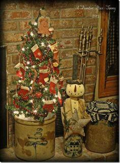 primitive christmas table decor images | Found on aprimitiveplace.net
