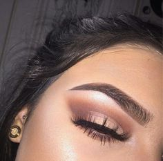 eye makeup with red dress makeup no eyeliner often change eye makeup makeup like kim kardashian makeup like kylie jenner makeup using only kajal makeup shields makeup inspo Makeup Goals, Makeup Inspo, Makeup Inspiration, Makeup Tips, Makeup Style, Makeup Ideas, Makeup Brands, Makeup Products, Daily Inspiration