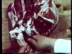 Dělení a vykosťování vepřového masa - YouTube