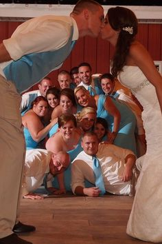 Love this bridal party shot!