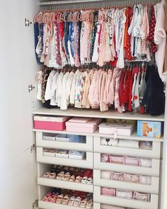 Unbelievable 28 Beegcom Best Baby Bedroom Furniture, Home Decor Market Research Baby Bedroom Furniture, Kids Bedroom, Baby Room Design, Baby Room Decor, Home Decor Instagram, Baby Girl Closet, Baby Nursery Organization, Baby Room Neutral, Baby Boy Rooms