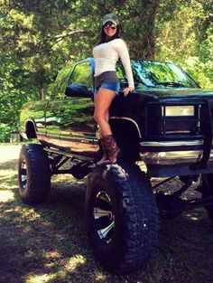 Country Girls;  http://www.wealthdiscovery3d.com/offer.php?id=ronpescatore