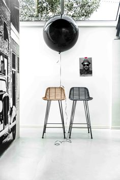The design of the black rattan bar stool by HK Living is as simple as it is amazing, making it a perfect match in almost any interior style. The black rattan. Chaise Haute Bar, Chaise Bar, Rattan Bar Stools, Bar Chairs, Dinner Chairs, Office Chairs, Breakfast Bar Stools, Breakfast Bars, Deco Design