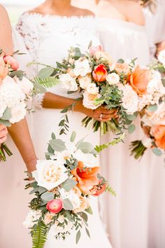 Coral and blush southern wedding bouquets bouquets orange Wells + Brettany's Classic Southern Farm Wedding Peach Wedding Colors, Orange Wedding Flowers, Spring Wedding Flowers, Bridal Flowers, Burgundy Wedding, Blue Wedding, Southern Wedding Flowers, Southern Weddings, Wedding Brooch Bouquets
