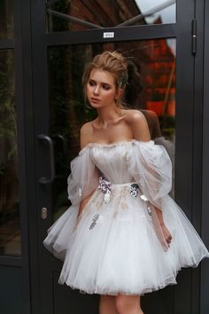 Little Dresses, Lovely Dresses, Flower Dresses, Mini Wedding Dresses, Wedding Gowns, Engagement Dress For Bride, Beach Wedding Suits, White Tulle Dress, Weeding Dress