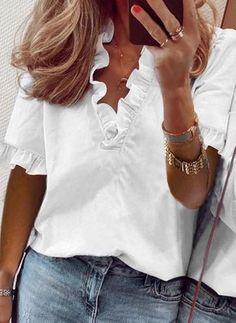 Reto Informal Poliéster Gola V Manga curta Verde Azul Branco Blusas Retas Babado pc. PP P M G Blusas V Neck Blouse, Short Sleeve Blouse, Ruffle Blouse, Peasant Blouse, Short Sleeves, Trend Fashion, Latest Fashion, Women's Fashion, Fashion Online