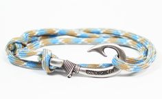 Carolina Beach Fish Hook Bracelet Sliding Knot 550 Paracord Adjule