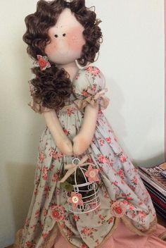 Linda e delicada, ela é ideal para decoração de quartos de meninas, ateliês e onde mais desejar! <br>Confeccionada em tecido 100% algodão, enchimento antialérgico e com muito carinho nas cores de sua preferência!
