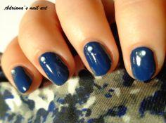http://adriana-nailart.blogspot.cz/2014/03/china-glaze-first-mate-aneb-modra-je.html