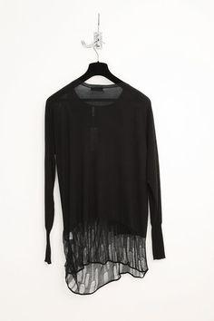 dark #fashion #avantgarde #dark #black #wearing