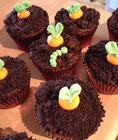 Chocolate carrot cakes