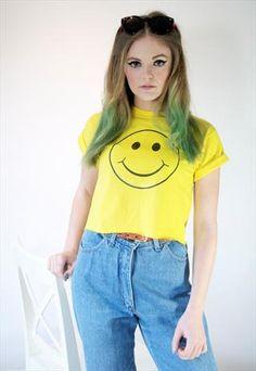 £16 ACID SMILEY FACE 90S CROP T-SHIRT