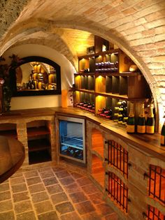 Diogenes wine cellar cross vault – Wine World Wine Cellar Basement, Home Wine Cellars, Wine Cellar Design, Deco Nature, Root Cellar, Tuscan Design, Stone Houses, Cafe Interior, Wine Storage