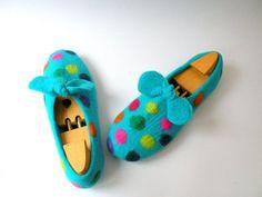 Handfelt wool slippers For fun