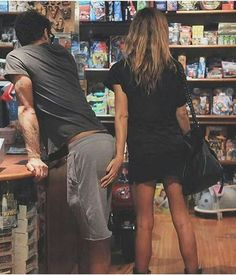 Relationship Goal - Crazy us - grab his butt Type Of Girlfriend, Style Masculin, Dear Future Husband, Love Is In The Air, Mademoiselle, Couple Pictures, Random Pictures, Couple Goals, Relationship Goals
