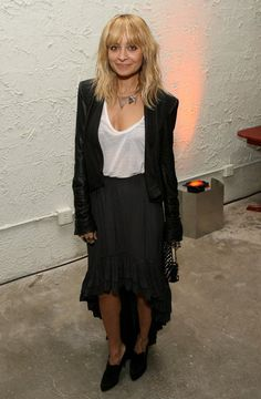Nicole Richie is simple in black and white