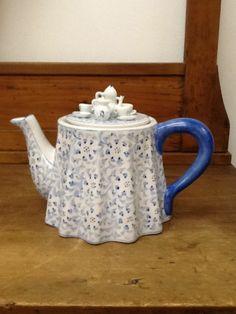 Strata Group Tea Pot