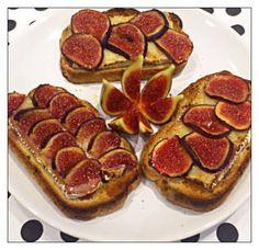 Tosta Camembert con Higos, para dos, 14propoints! Hoy es miercoles de enamorados.