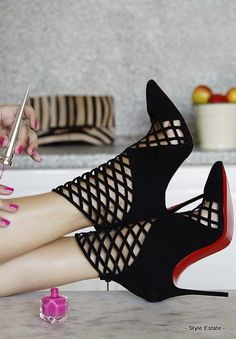 She's the one. - 32 Gorgeous Louboutins That You Absolutely MUST See! #Louboutin - Style Estate -