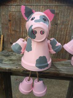 Clay pot terra cotta pig by Family Time Crafts (FB) Tontopf-Terrakotta-Schwein von Family Time Craft Pig Crafts, Clay Pot Crafts, Diy Clay, Garden Crafts, Diy And Crafts, Animal Crafts, Flower Pot People, Clay Pot People, Flower Pot Art