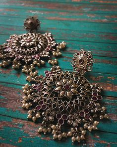 Indian Jewelry Sets, Indian Jewellery Design, Indian Earrings, Black Earrings, Pakistani Jewelry, Fancy Jewellery, Black Gold Jewelry, Jewelry Design Earrings, Oxidised Jewellery