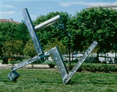"""Artist David Smith worked as a welder in a car factory as a young man. Later, he emerged as a sculptor in the 1940s and 1950s, and applied his industrial skills to his art-making practice. He said of his preferred medium, welded steel: """"The metal itself possesses little art history. What associations it possesses are those of this century: power, structure, movement, progress, suspension, brutality."""" David Smith, """"Cubi XXVI,"""" 1965  #Smith #Form #art #artsed #k12 #teaching"""