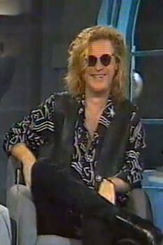 Daryl always had a unique sense of style and a delicate, ethereal beauty.but in recent years he has seemed to want to lose that persona, who knows why. Kind of miss the fashion-conscious rocker of the and John Oates, Daryl Hall, Hall & Oates, Ethereal Beauty, Atheist, Persona, Singer, Legends, Delicate