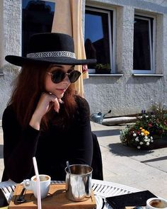 coffee is a language in itself ☕️ . . . . . #love #instagood #instadaily #coffee #coffeetime @contrastcoffee #thursday #afternoon #photography #black #witch #hat #artsy #blogger #mik #hungary #beauty #beautiful #fashion #lifesytle #me #weekend #linkinbio #blog #fashionblogger #beautyblogger #lifestyleblogger #pi coftheday #istyledithu @styledit_hu #coffeenclothes