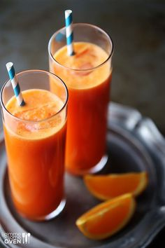 Orange Carrot Ginger Juice - 1 lb. carrots, 3 naval oranges, 1-2 Tbsp. grated fresh ginger (more/less to taste) - Juice all ingredients and then stir to combine. Drink immediately or refrigerate up to 4 hours.